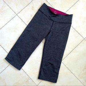 Nike Dri-Fit Cropped Leggings Marled Grey M